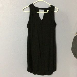 NEVER WORN Black dress with keyhole details